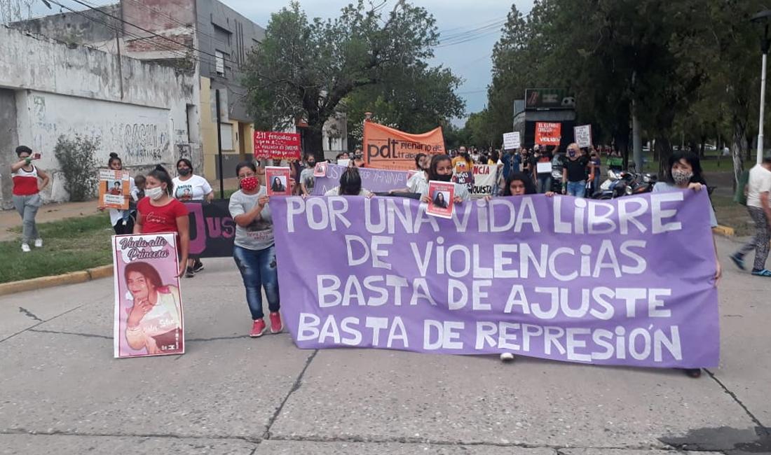 Se realizó una marcha por el #25N en Reconquista