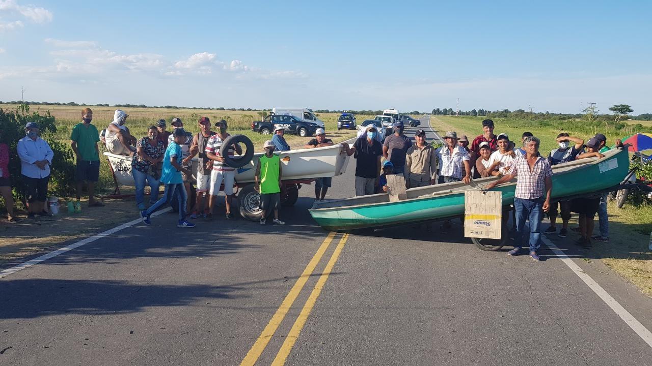 Cortes de Ruta en localidades costeras en contra de la veda pesquera