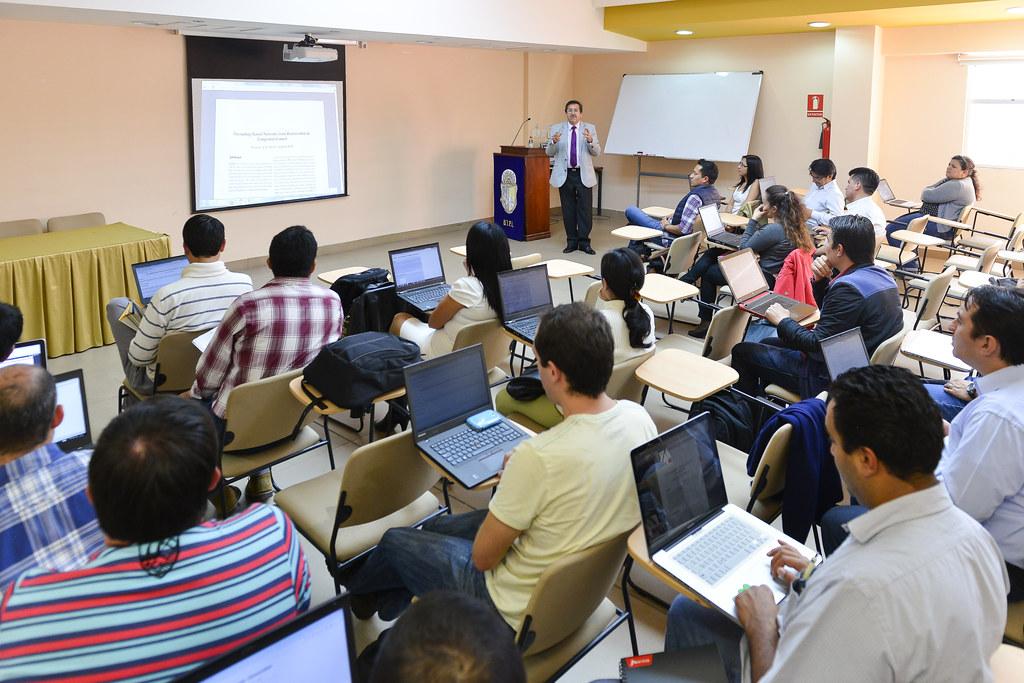 Docentes y estatales de San Juan recibirán 50 por ciento de aumento de sueldos